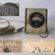Radios antiguas: ELEVADOR REDUCTOR TENSION VOLTIMETRO ESPAÑOL EN METAL Y MADERA ( BALAY). Lote 173858484