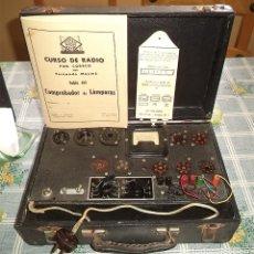 Radios antiguas: COMPROBADOR LÁMPARAS CURSO MAYMO CON TABLA DE VALORES Y CALCULADOR POR COLORES EN MALETA. Lote 179108920
