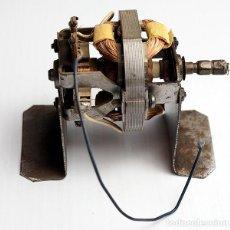 Radios antiguas: COMPONENTES ELECTRÓNICOS ANTIGUOS. BOBINA CON SOPORTE. Lote 189379860