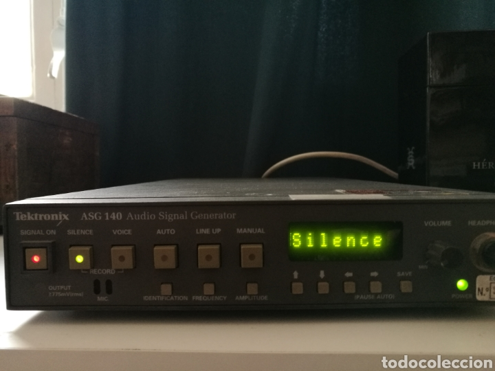 Radios antiguas: Sony Tektronix ASG 140 Generador de señales de audio 20 kHz - Foto 2 - 193726787