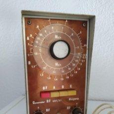 Radios antiguas: ANTIGUO GENERADOR DE SEÑALES RF REPRO GRF/21 PARA REPARACIONES DE RADIO DE VALVULAS. Lote 204602642