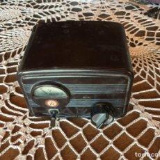 Radios antiguas: ANTIGUO TRANSFORMADOR ESTABILIZADOR DE TENSION O CORRIENTE CON CAJA DE BAQUELITA AÑOS 50. Lote 212315333