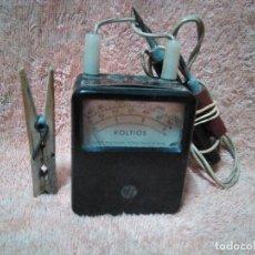 Rádios antigos: PEQUEÑO APARATO DE COMPROBAR LOS VOLTIOS ( CREO ). Lote 220924890