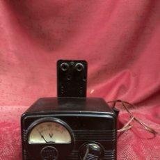Radio antiche: ANTIGUO VOLTÍMETRO LUAL BAQUELITA. Lote 224532933