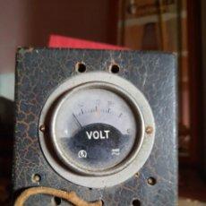 Radios antiguas: ANTIGUO ELEVADOR REDUCTOR DE TENSIÓN.VOLT. Lote 239868050