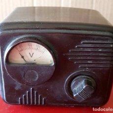Radios antiguas: VOLTIMETRO ANTIGUO DE BAQUELITA. Lote 243629025