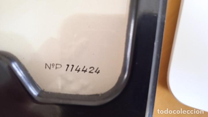 Radios antiguas: Voltímetro 15V DC analógico vintage. Medidas 10x8,3x5 cm diámetro 7,5cm - Foto 5 - 257796035