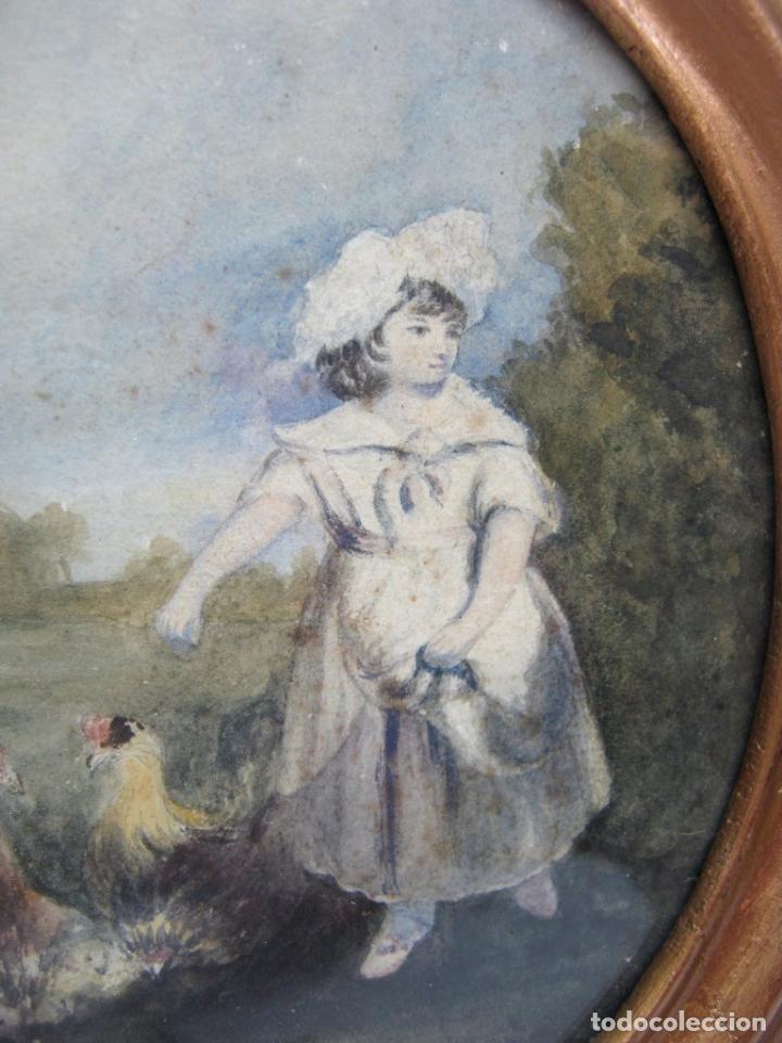 Arte: s. XVIII Antigua pintura acuarela - Niña con gallinas - marco dorado - Foto 2 - 75413051
