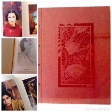 Arte: ESPLÉNDIDO Y ÚNICO CATÁLOGO DE MODA CON LOS MEJORES DISEÑADORES DE ESPAÑA INVI/90/91. MIDE 39X30CM.. Lote 91630740