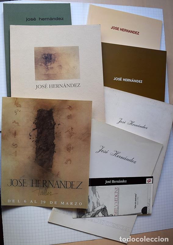 JOSÉ HERNÁNDEZ (TÁNGER 1944-MÁLAGA 2013) · LOTE DE 6 CATÁLOGOS Y 2 PROSPECTOS (Arte - Catálogos)