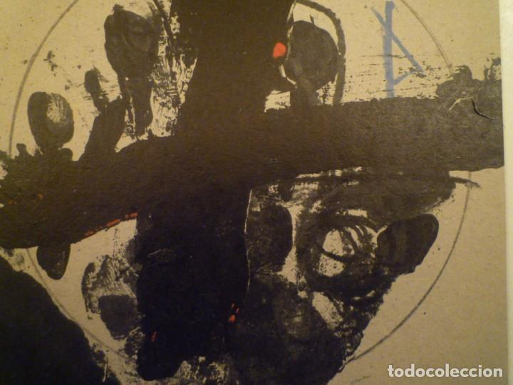 ANTONI TÀPIES. JOAN BROSSA. U NO ÉS NINGÚ. INVITACIÓN. GALERIA JOAN PRATS. 1979 (Arte - Catálogos)