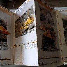 Arte: CHRISTO JAVACHEFF, THE UMBRELLAS, LIBRO EN ACORDEÓN,16 PANELES, 1991 -. Lote 191299490