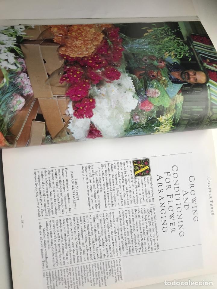Arte: Envío 8€. Libro FLOWER ARRANGERS BIBLE por Derek Bridges, mide 28x21,5cm con144pag mas portadas - Foto 3 - 253416780