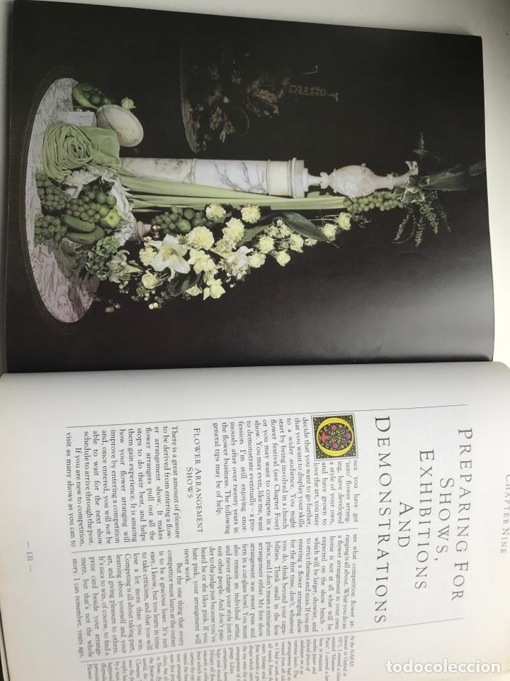 Arte: Envío 8€. Libro FLOWER ARRANGERS BIBLE por Derek Bridges, mide 28x21,5cm con144pag mas portadas - Foto 8 - 253416780