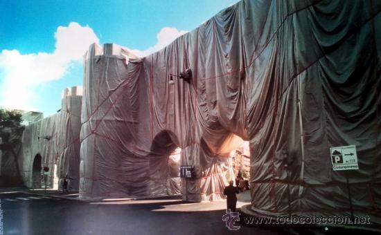 CHRISTO (1935-).THE WALL WRAPPED ROMAN-WALL. ROMA.1974. (Arte - Cromolitografía)