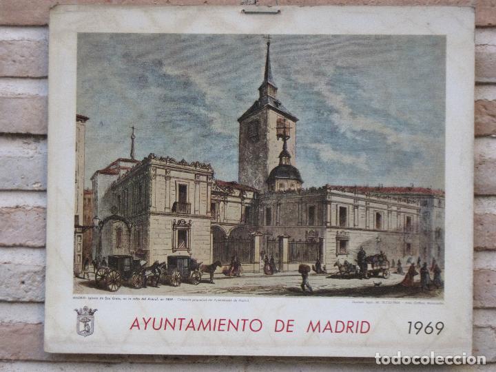 CALENDARIO O ALMANAQUE DE PARED - LAMINA EN CARTON DURO DEL AYUNTAMIENTO DE MADRID - AÑO 1969. (Arte - Cromolitografía)