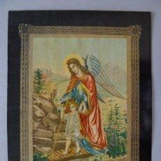 Arte: PRECIOSA CROMOLITOGRAFIA A COLOR DEL ANGEL DE LA GUARDA DE LOS NIÑOS, SOBRE 1880, 50X36 CMS. Lote 175964107