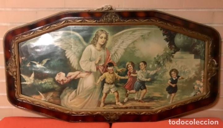 ANGEL DE LA GUARDA ANTIGUO CUADRO LITOGRAFIA COLOR J ANGEL PROTECTOR JUEGA CON NIÑOS GALLINA CIEGA (Arte - Cromolitografía)