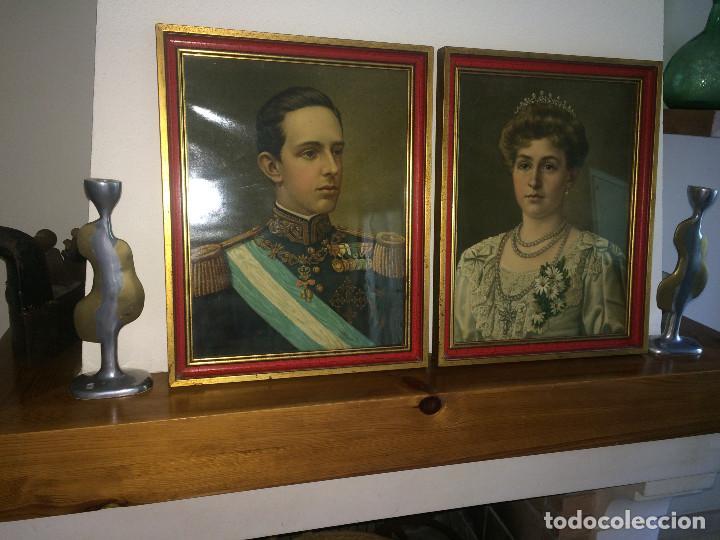 ALFONSO XIII Y VICTORIA EUGENIA DE BATTENBERG - REYES DE ESPAÑA - CUADROS PRIMERA MITAD SIGLO XX (Arte - Cromolitografía)