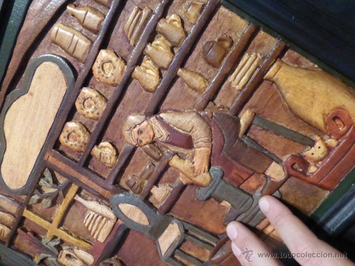 Arte: FABULOSO CUADRO TALLADO EN RELIEVE SOBRE TABLA DE MADERA Y POLICROMADO - DIBUJO ESTILO CAUCÁSICO - Foto 9 - 49377918