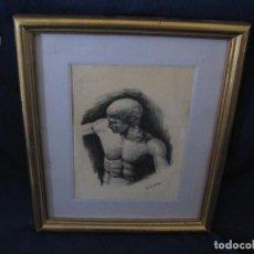 Arte: DIBUJO AL CARBONCILLO, HOMBRE DESNUDO POSANDO, ENMARCADO EN MADERA AL ORO, R. JUÁREZ. Lote 112507863