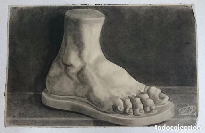 DIBUJO DE UN PIE DE UNA ESCULTURA CLÁSICA .PINTADO AL CARBONCILLO. DI (Arte - Dibujos - Contemporáneos siglo XX)