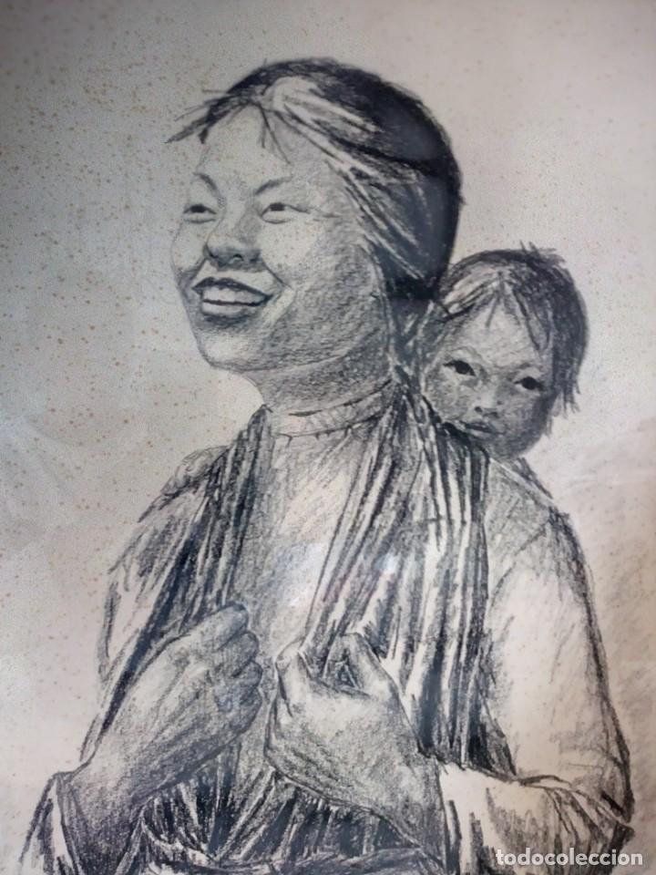 DIBUJO A CARBONCILLO FIRMADO POR EL PROFESOR G. ROBERT GRAF,MADRE ORIENTAL CON NIÑO A LA ESPALDA. (Arte - Dibujos - Modernos siglo XIX)