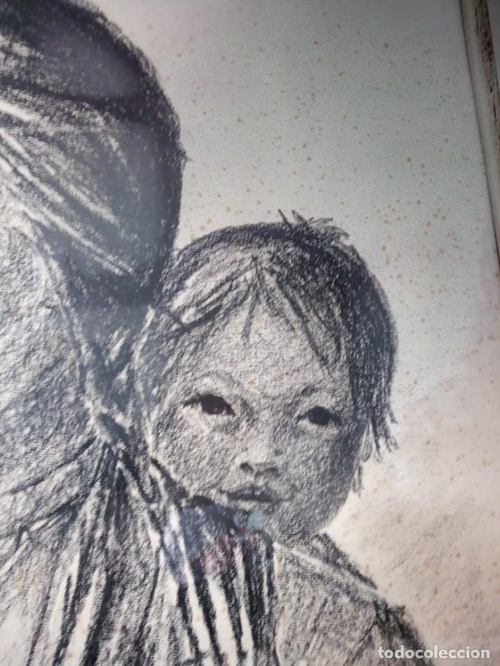 Arte: Dibujo a carboncillo firmado por el profesor g. robert graf,madre oriental con niño a la espalda. - Foto 6 - 147828382