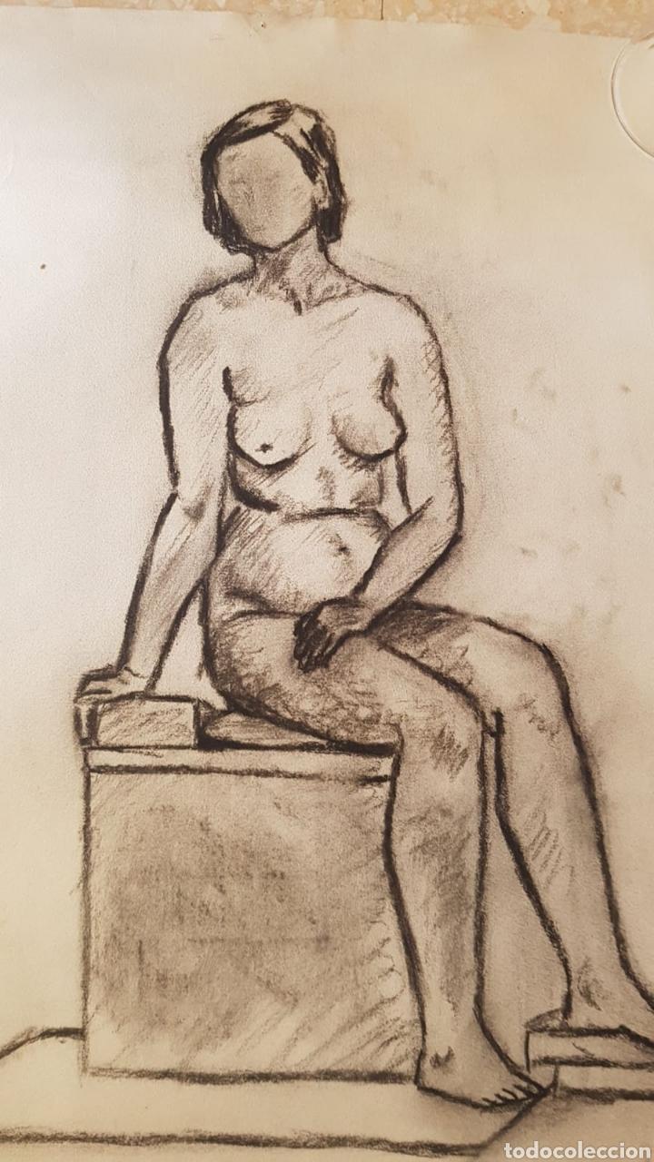 Arte Escuela Arte Dibujo Al Carbón Carboncillo Mujer Desnuda Y Vestida Dibujado Dos Caras