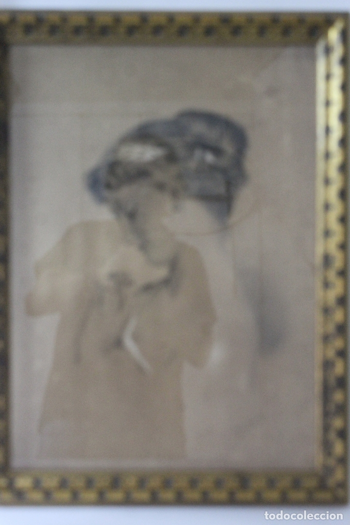 C-972. DIBUJO A CARBONCILLO DE UNA JOVEN. FIRMADO A. OLIVELLA. SIGLO XX. ENMARCADO , CON VIDRIO. (Arte - Dibujos - Contemporáneos siglo XX)