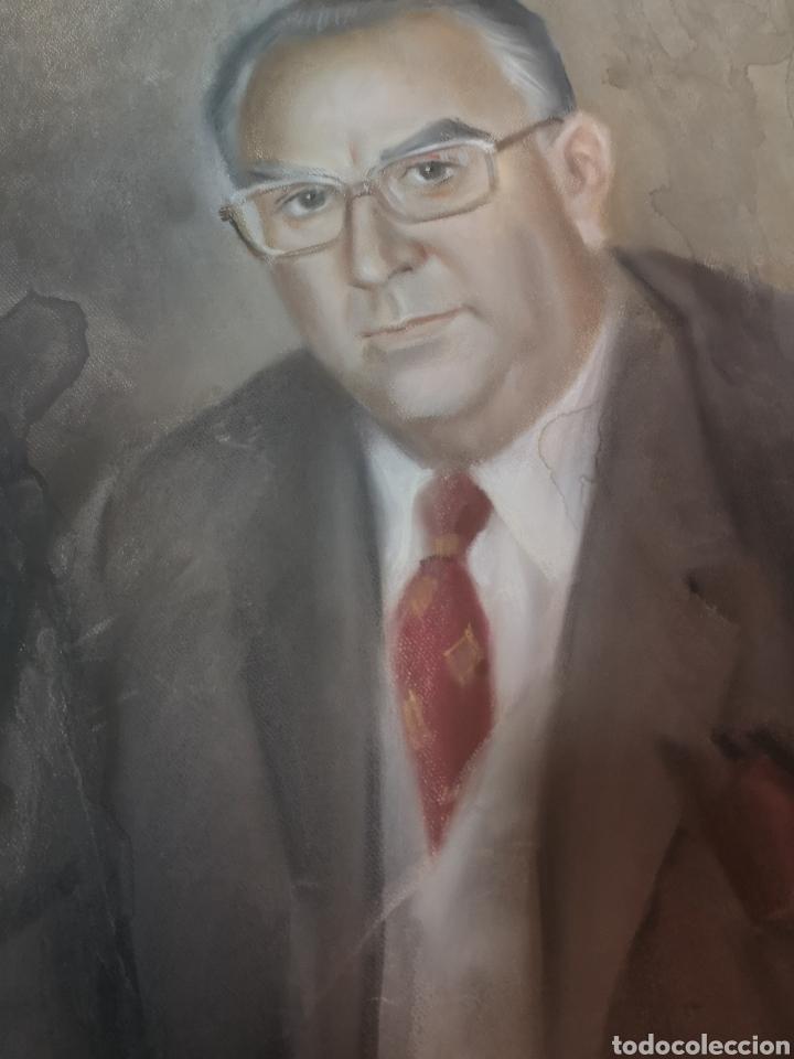 Arte: Francisco Hernandez, retrato de caballero a pastel, grandes dimensiones, 109x74cm. - Foto 2 - 194315557