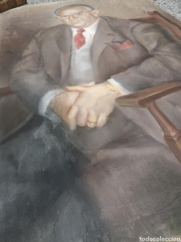 Arte: Francisco Hernandez, retrato de caballero a pastel, grandes dimensiones, 109x74cm. - Foto 5 - 194315557