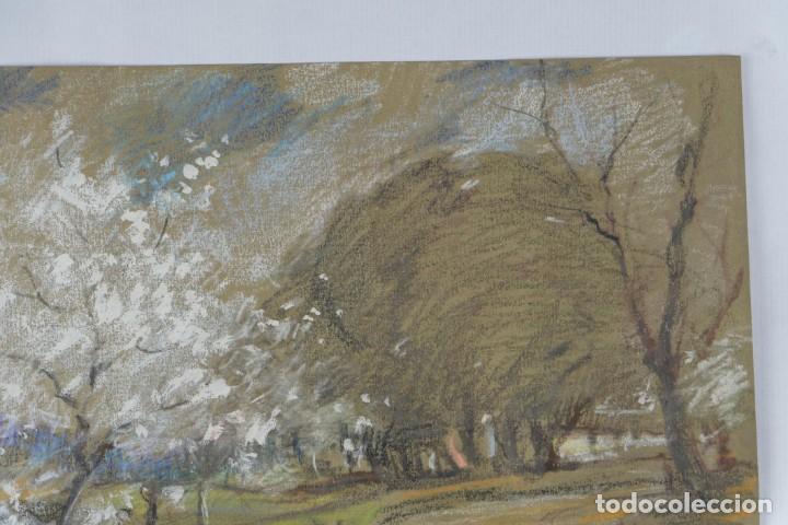 Arte: Ceras y gouache sobre papel Paisaje camino con árboles mediados siglo XX - Foto 4 - 210145888