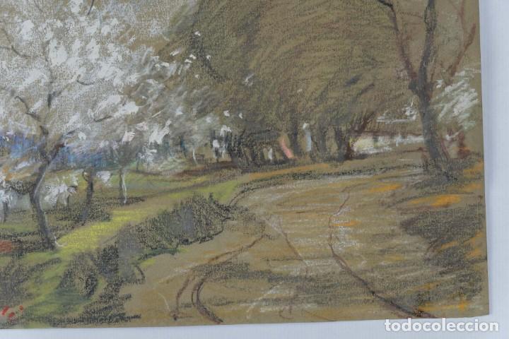 Arte: Ceras y gouache sobre papel Paisaje camino con árboles mediados siglo XX - Foto 5 - 210145888
