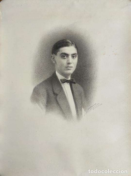 DIBUJO AL CARBÓN - RETRATO - ESCUELA CATALANA - CON FIRMA (Arte - Dibujos - Contemporáneos siglo XX)