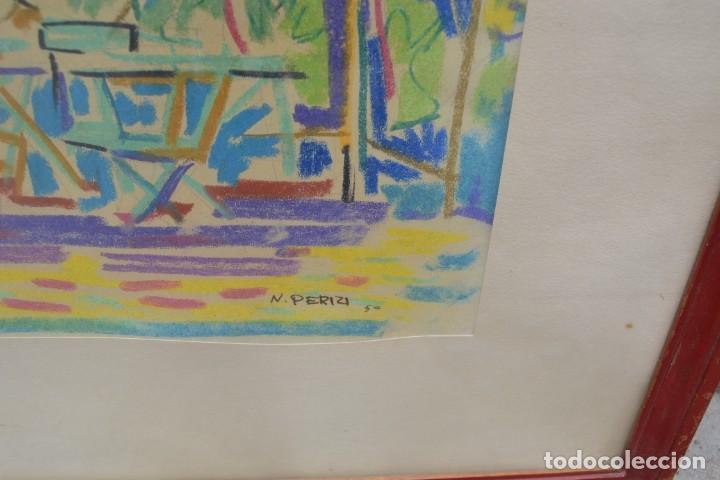 Arte: Personas, terraza y árboles, 1950, dibujo a las ceras, firmado N. Perizi, con marco. 48x33cm - Foto 3 - 268600489