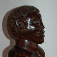 Arte: TALLA DE EBANO REALIZADA A MANO POR NATIVOS DE LA ANTIGUA COLONIA GUINEANA APROX 1950. Lote 26615985