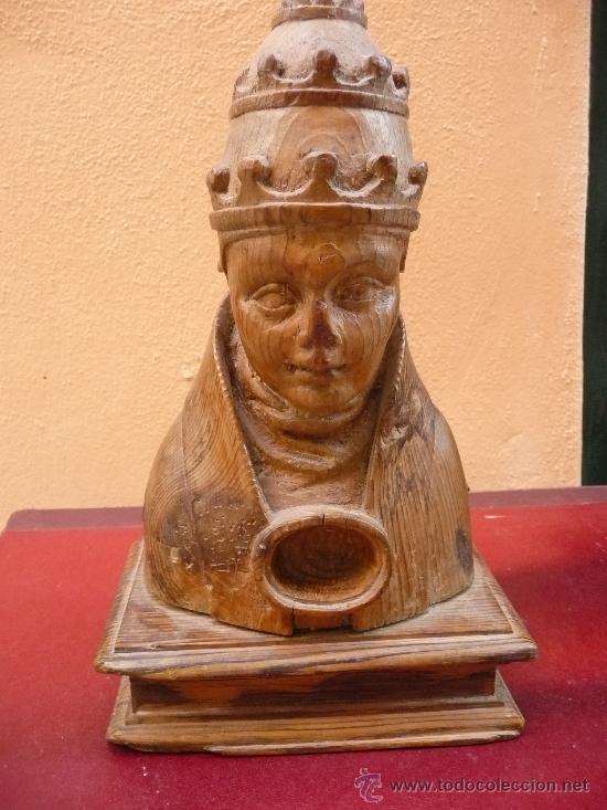 BUSTO RELICARIO DE UN SANTO PAPA. SIGLO XVI. MADERA SIN POLICROMAR (Arte - Escultura - Madera)