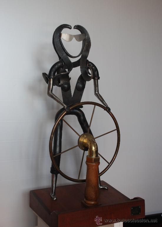 ESCULTURA NAVEGANDO (Arte - Escultura - Hierro)