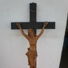 Arte: CRUCIFIJO CON TALLA DE CRISTO EN MADERA SIGLO XVIII. Lote 22365015