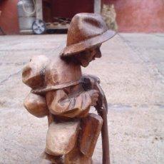 Arte: TALLA DE ANCIANO EN MADERA.. Lote 26258921