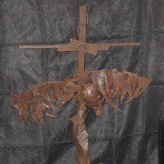 Arte: ESCULTURA EN HIERRO Y CHAPA - CRUZ CRISTO - 115 X 82 X 50 CM. OTROARTE #OCHOPIEZAS 5. Lote 27544689