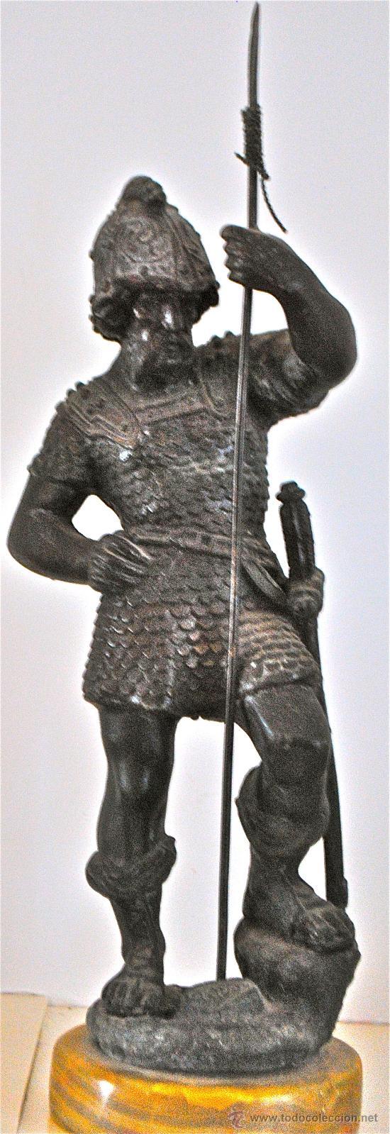 ESTATUA DE CALAMINA. GUERRERO HISPANO. SOLDADO. HISPANIA. GUERRA. 33CM. INFANTERIA ESPAÑOLA. (Arte - Escultura - Bronce)