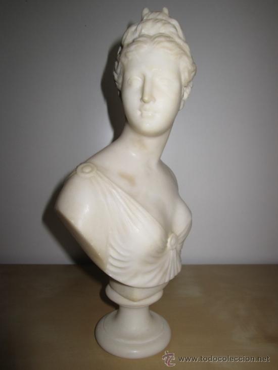 PRECIOSO BUSTO DE DIANA EN ALABASTRO - SIGLO XIX (Arte - Escultura - Alabastro)