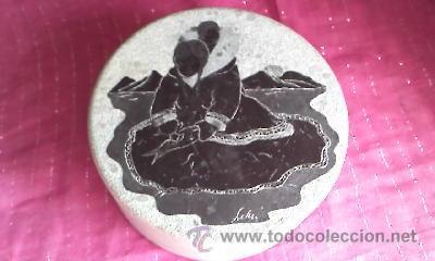 Arte: Caja tallada en piedra con un dibujo en la tapa de una mujer china firmado por SUELLEN - Foto 3 - 32508079