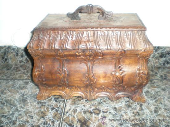 Arte: precioso cofre de madera en nogal tallado con adornos florales siglo XX - Foto 6 - 32940391