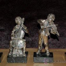 Arte: CONJUNTO DE 4 MUSICOS EN RESINA LACADA. AÑOS 60. Lote 34092693