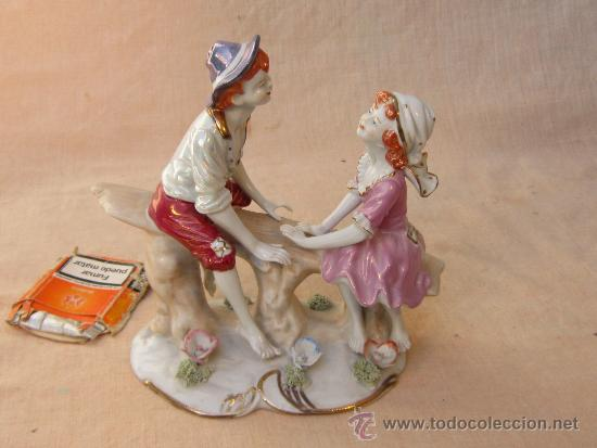 PAREJA DE NIÑOS EN PORCELANA (Arte - Escultura - Porcelana)