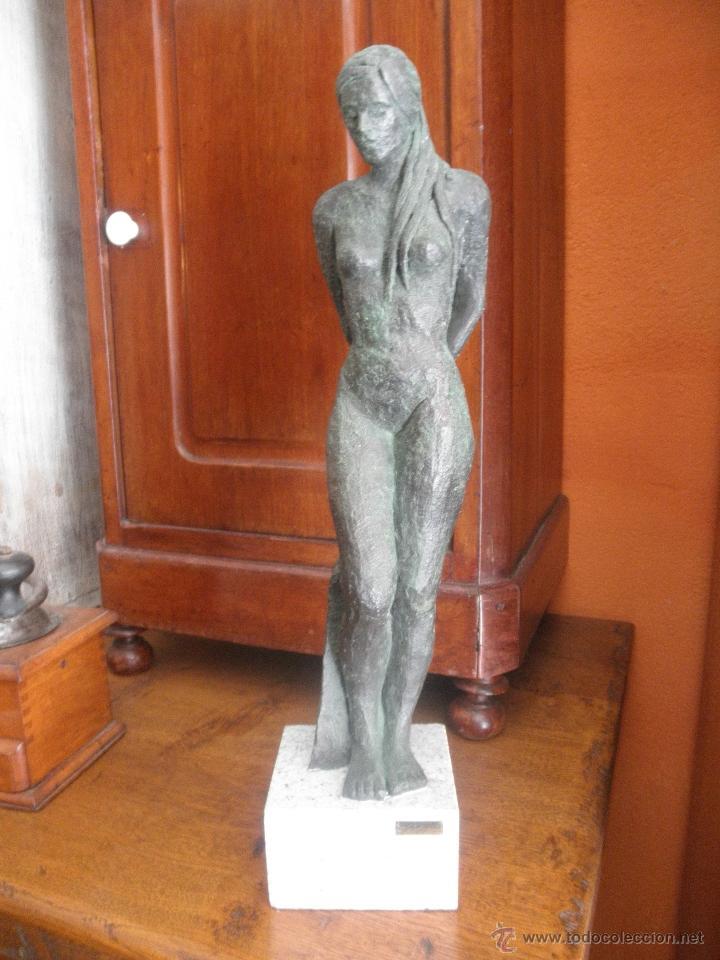 ESCULTURA MUJER DESNUDA EXPOSICIÓN (Arte - Escultura - Resina)