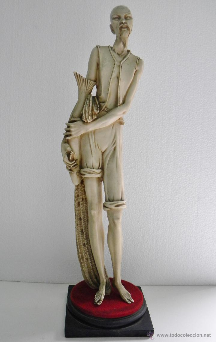 ARNALDO GIANNELLI ITALIA SIG XX RARA ESCULTURA ALABASTRO CHINO PESCADOR FIRMADA 48 CMS CA.1960-70 (Arte - Escultura - Alabastro)